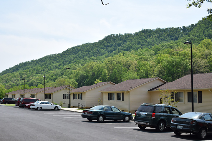 ... Representatives From Government Agencies And LHP Last Week To Dedicate  A Multi Million Dollar Renovation Of Mountain View Apartments In Bristol,  Tenn.