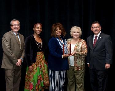 Nashville's Robinson receives Vicki George Award for Excellence