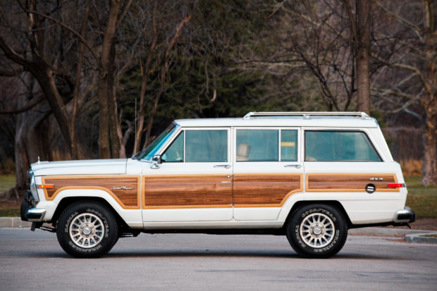 2017 Grand Wagoneer Woody >> Could This 1988 Jeep Grand Wagoneer Be Your Summer Fling The Drive