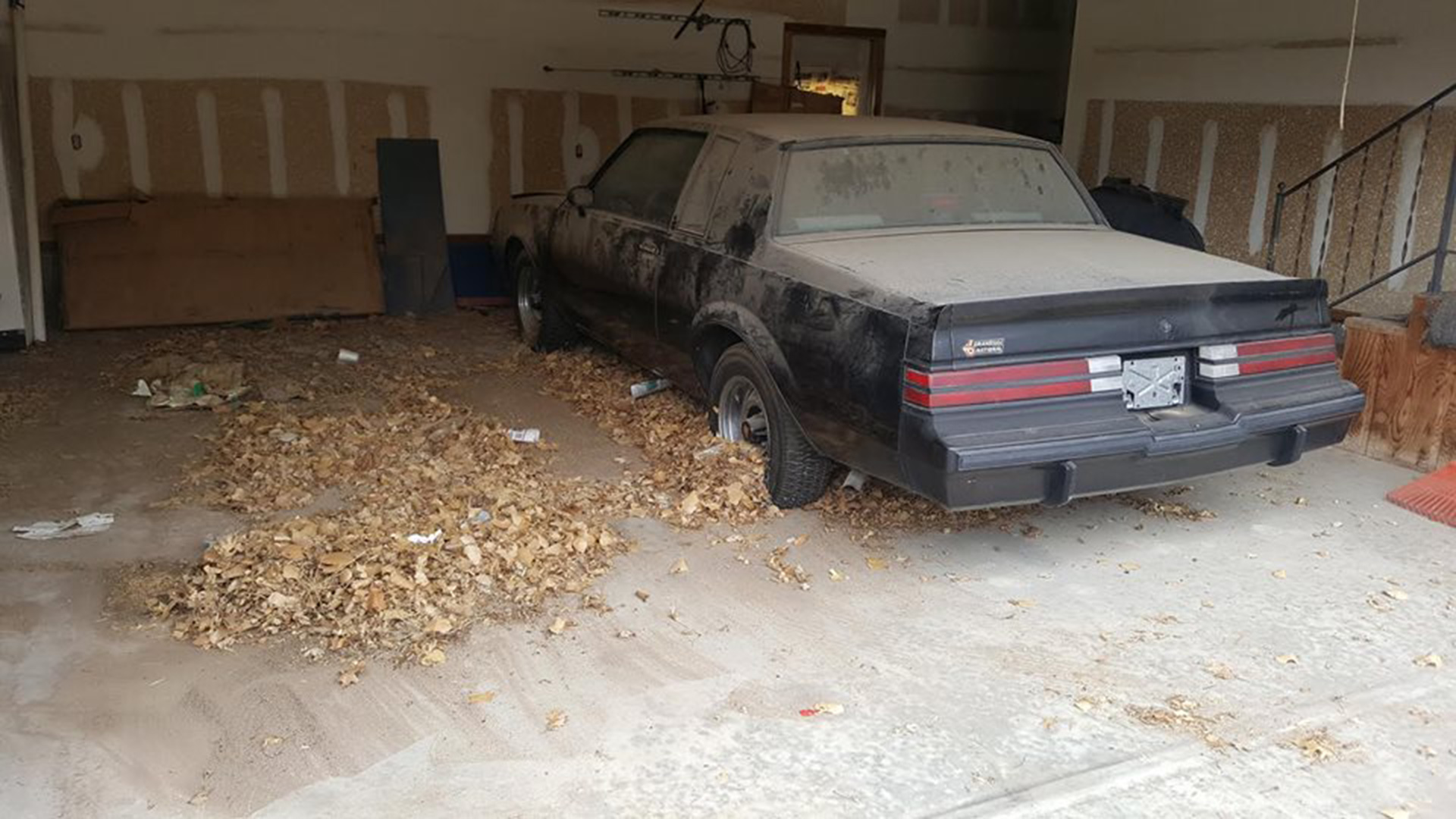 Buick Grand National Barn Find >> Two Like New Buick Grand Nationals Are The Barn Finds Of The Year