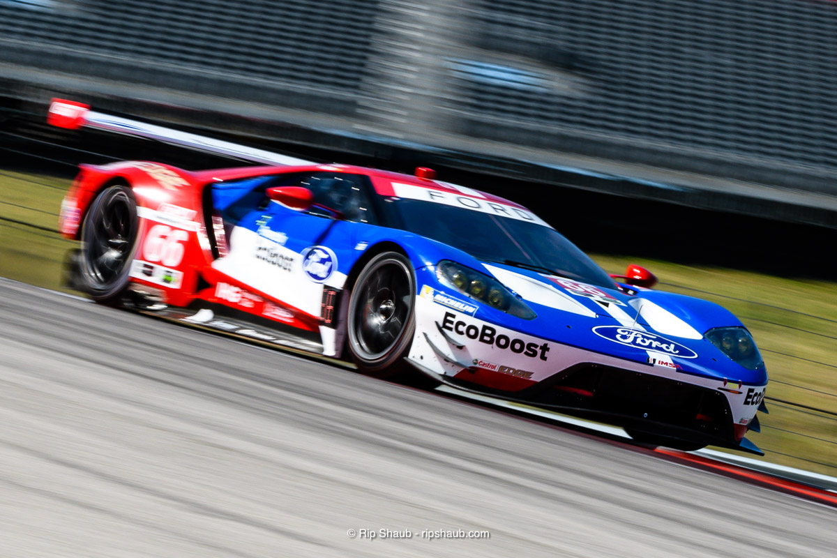 The Number  Team Rll Ford Gt During Practice The Car Would Take Some Damage At The Race Start But After Repairs Dirk Mueller And Joey Hand Would