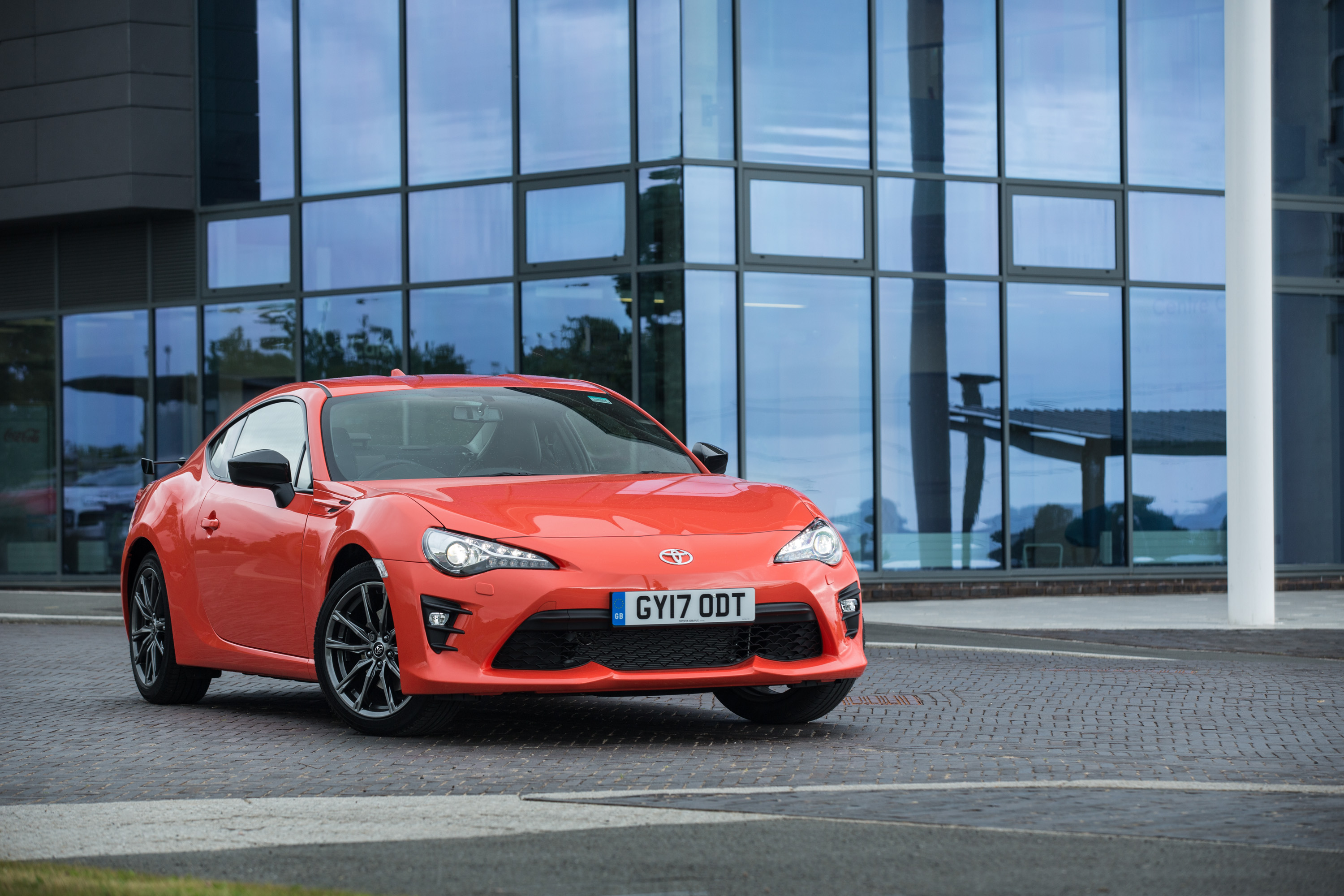 Toyota Gt86 Orange Edition Released In The U K The Drive