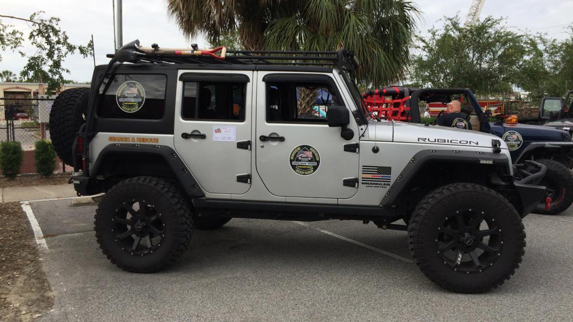 Florida Sheriff Organizes Jeep Wrangler Volunteer Squad for Search