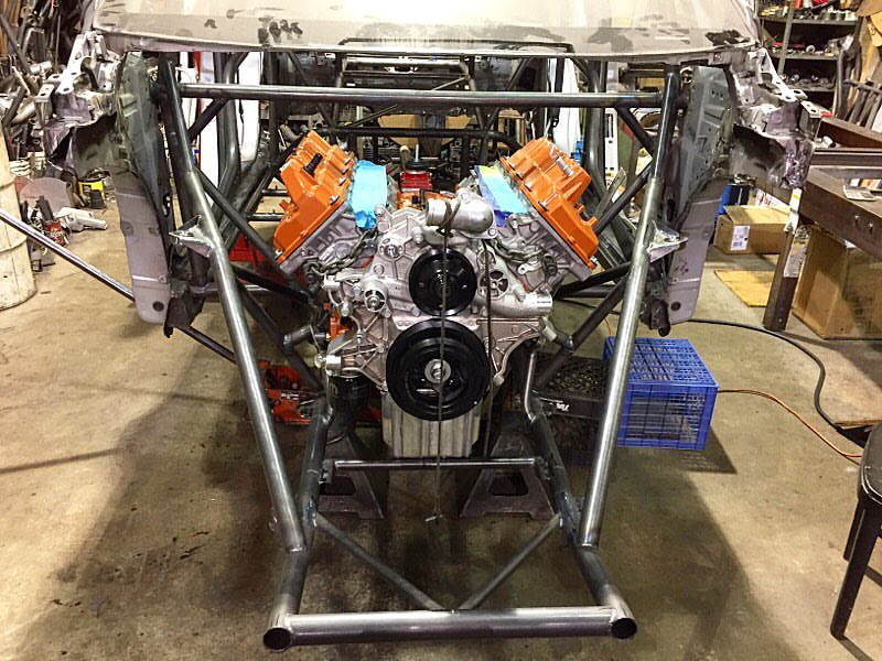 These Guys Are Swapping a 1,000-HP Hellcat Engine Into a