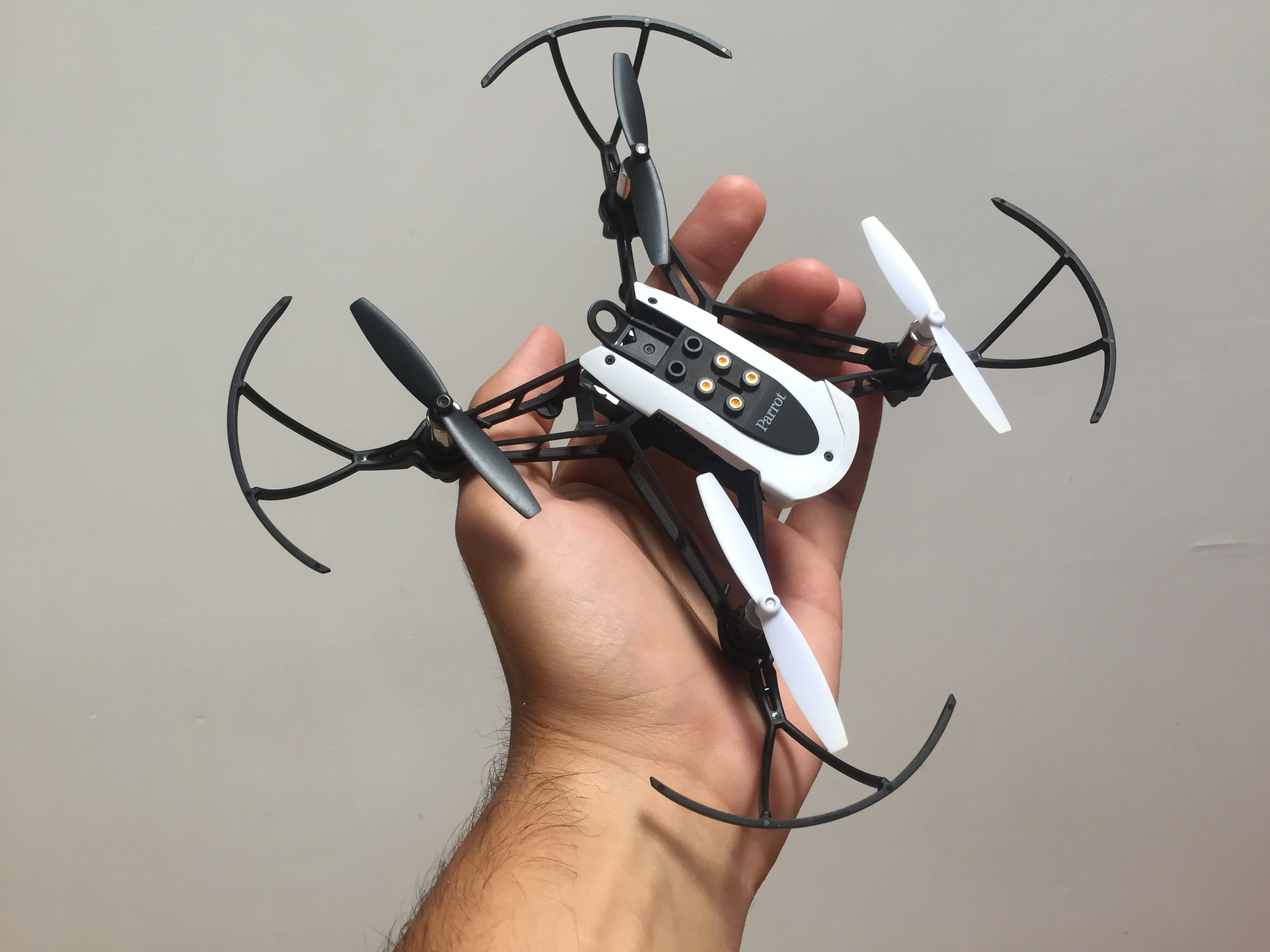 Drones baratos Parrot Mambo Fly