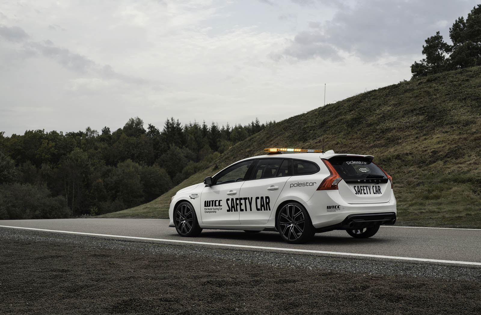 check out this gorgeous 2018 volvo v60 polestar safety car