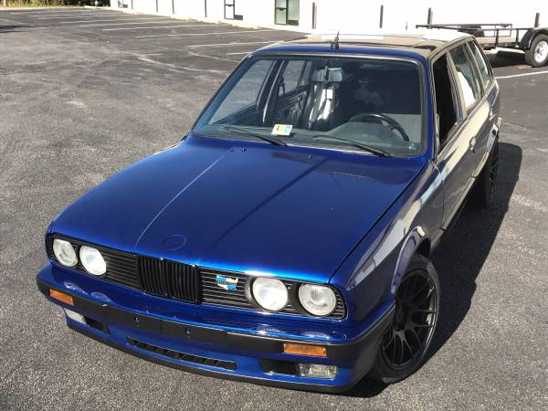 This Restored 1988 BMW E30 Touring Is a Beautiful Classic