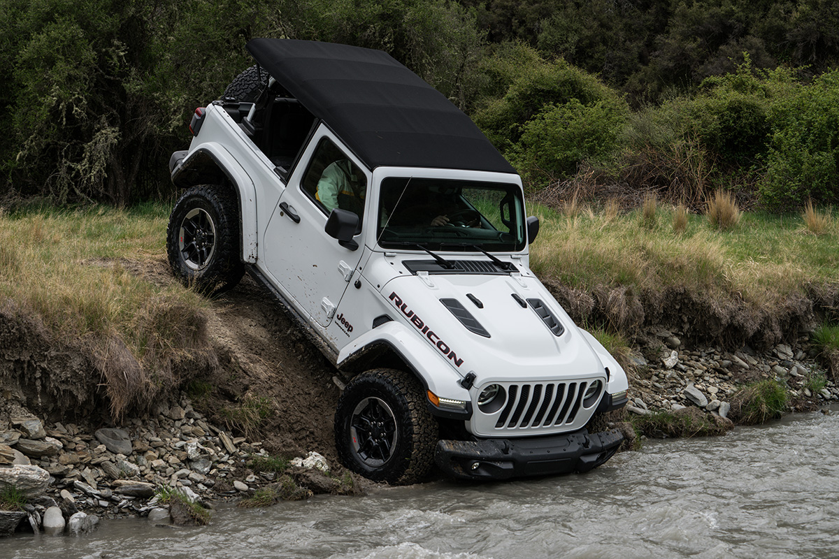 2018 jeep wrangler first drive review all new wrangler sets the eric adams the drive publicscrutiny Images