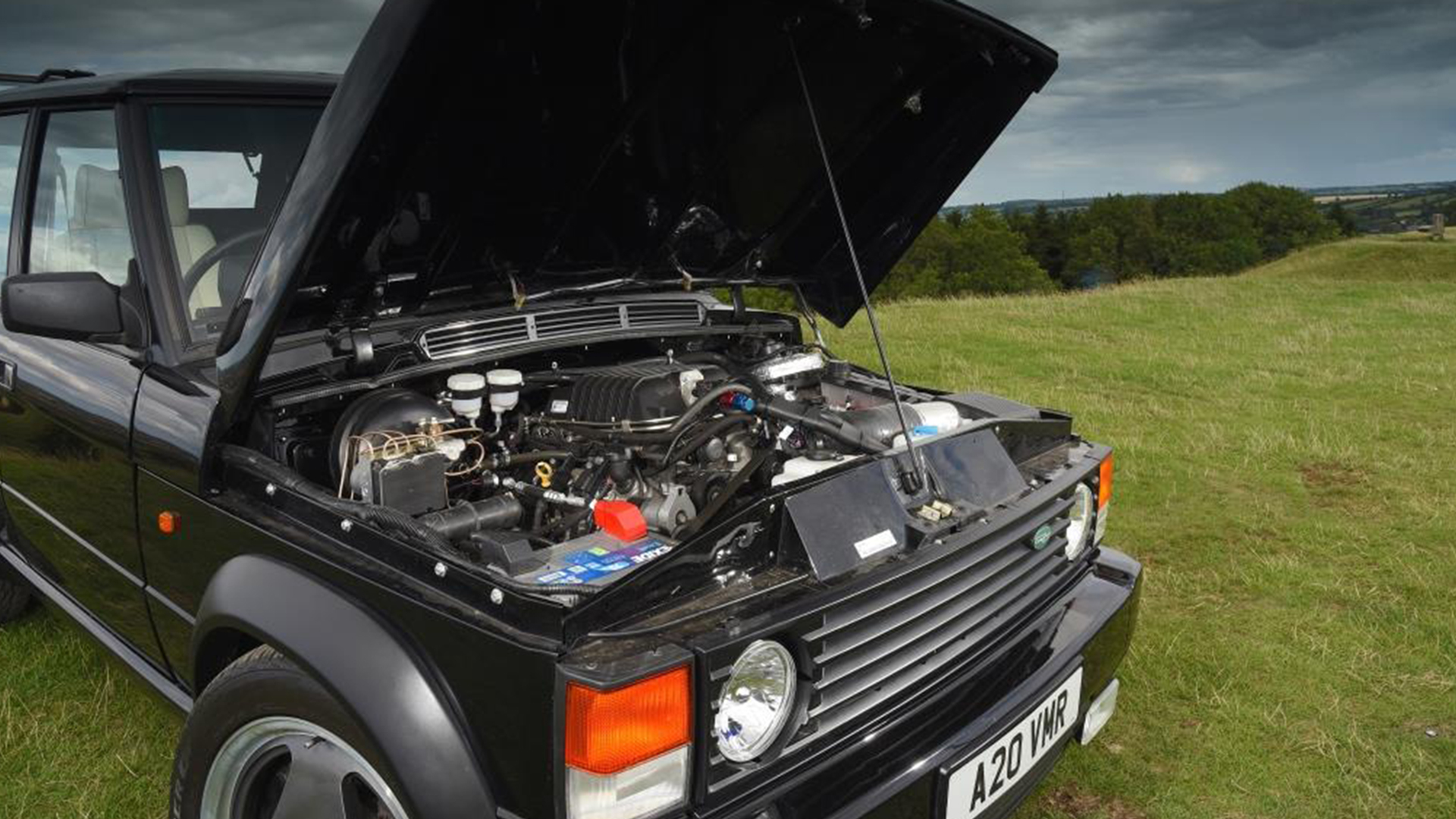 The Range Rover Chieftain Is a Classic Restomod With a Supercharged