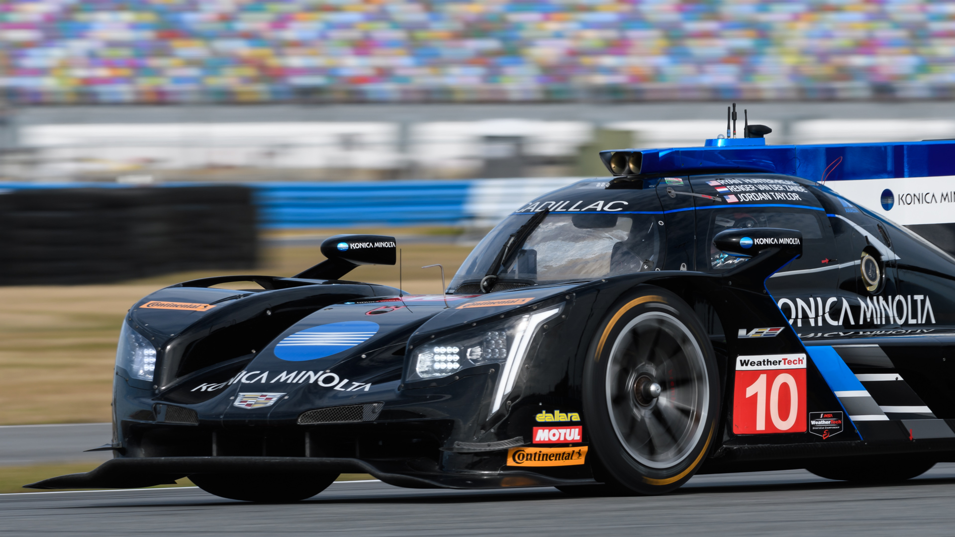 Rolex 24 at Daytona gets underway