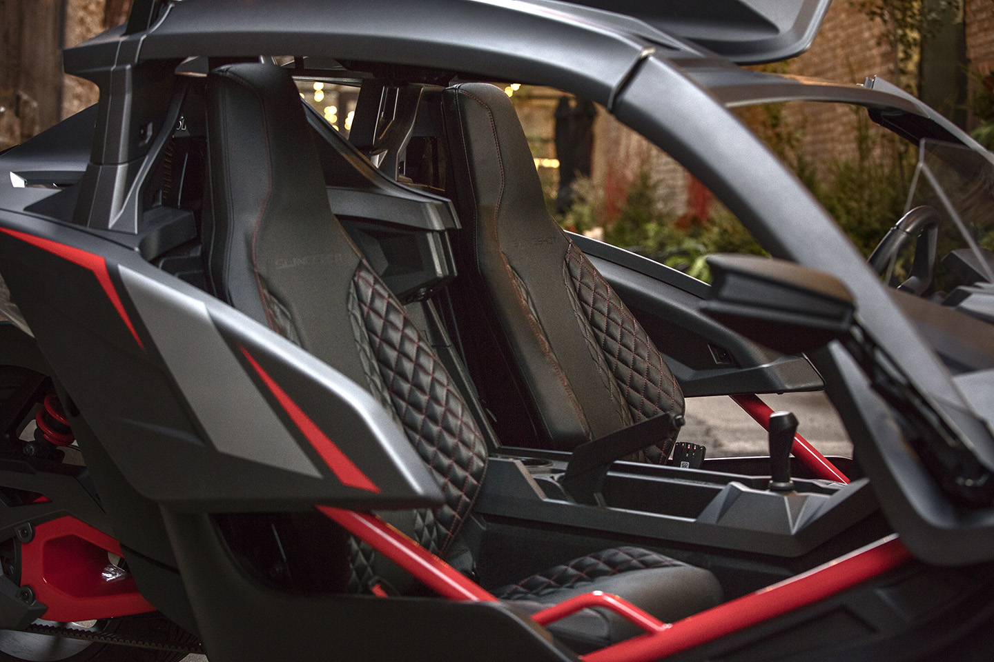 Polaris Slingshot Grand Touring Le Adds Luxury To The