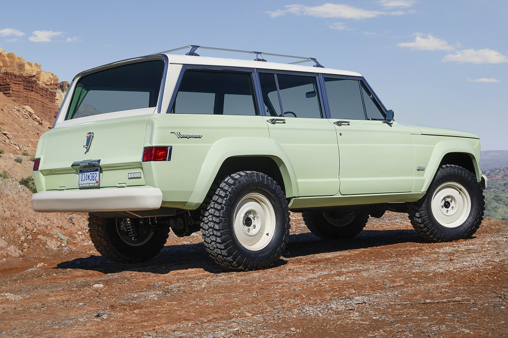 Jeep Wagoneer Concept >> Relive The 60s With Jeep S Fabulous Wagoneer Roadtrip Concept