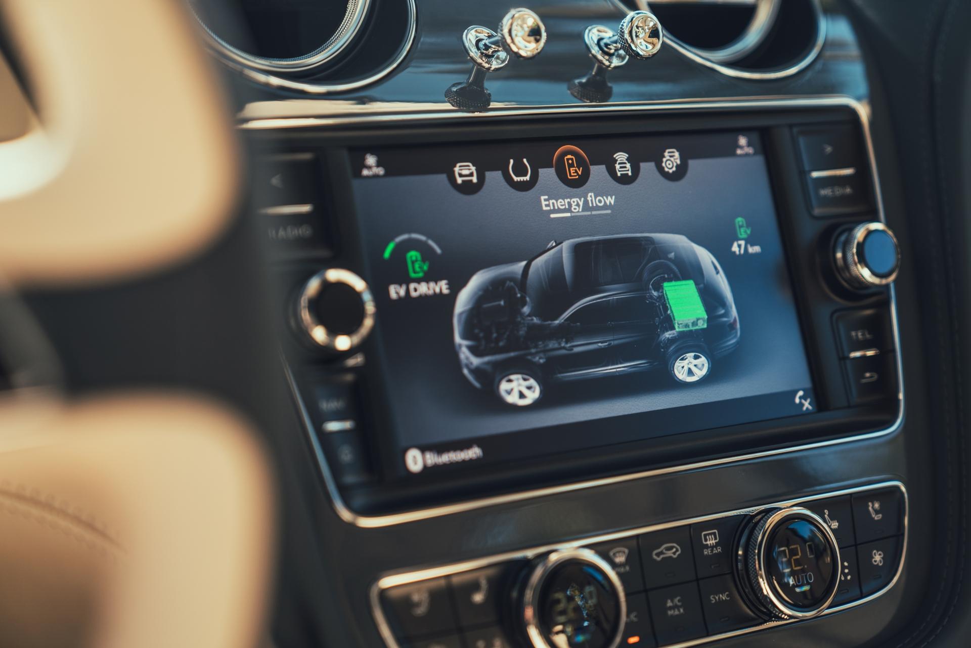 2019 Bentley Bentayga Hybrid - Infotainment Screen