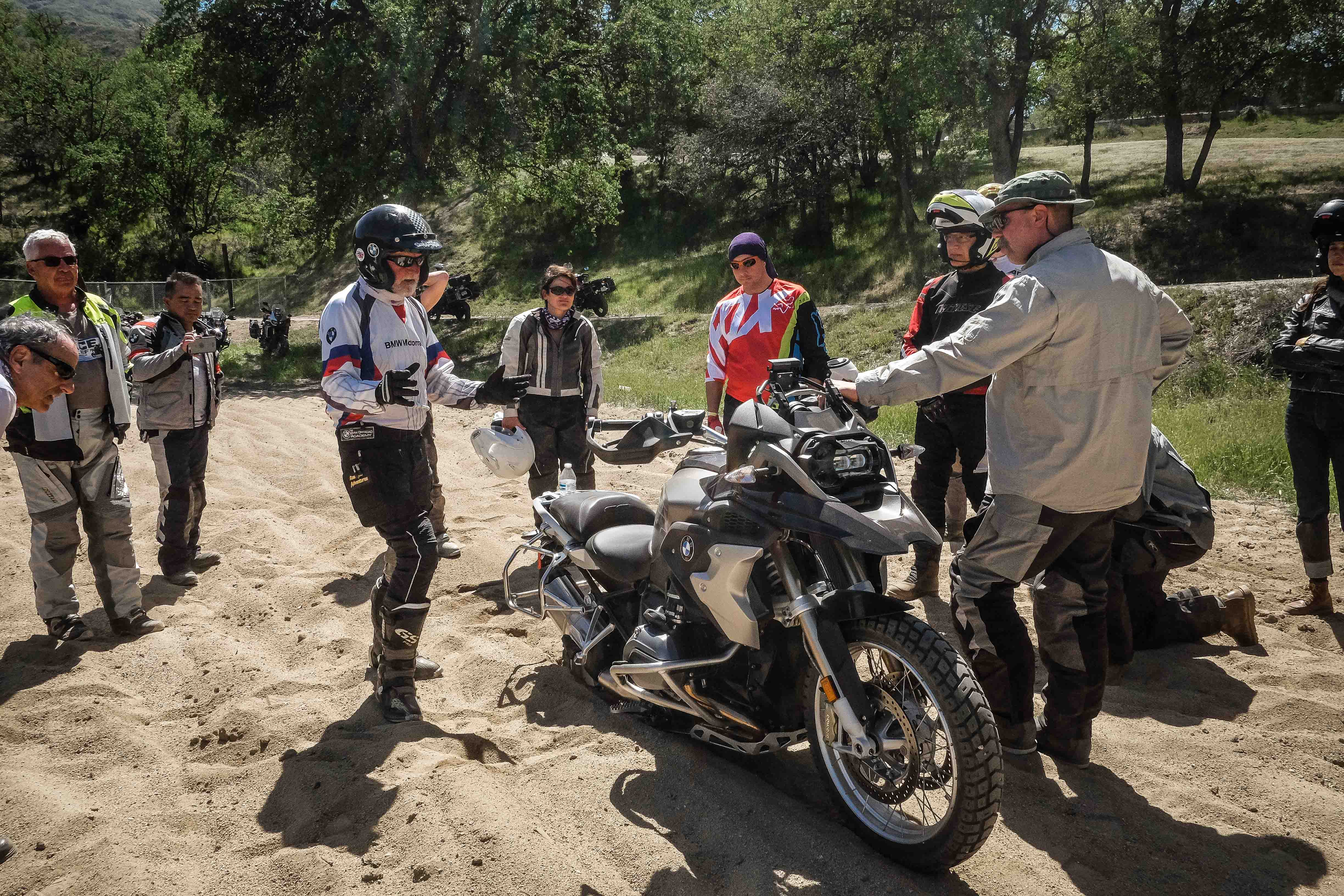 Coach Bill begins his hands on presentation to get the BMW R1200GS out of the sand