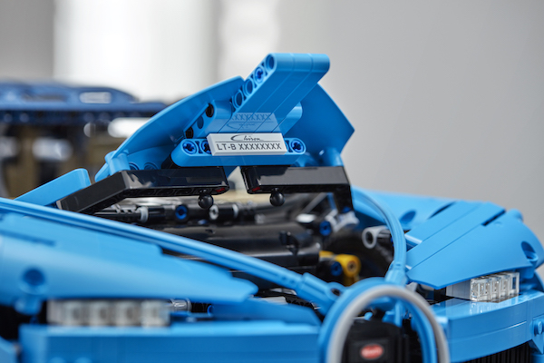 Lego Technic Bugatti Chiron threatens to devour hours of free time