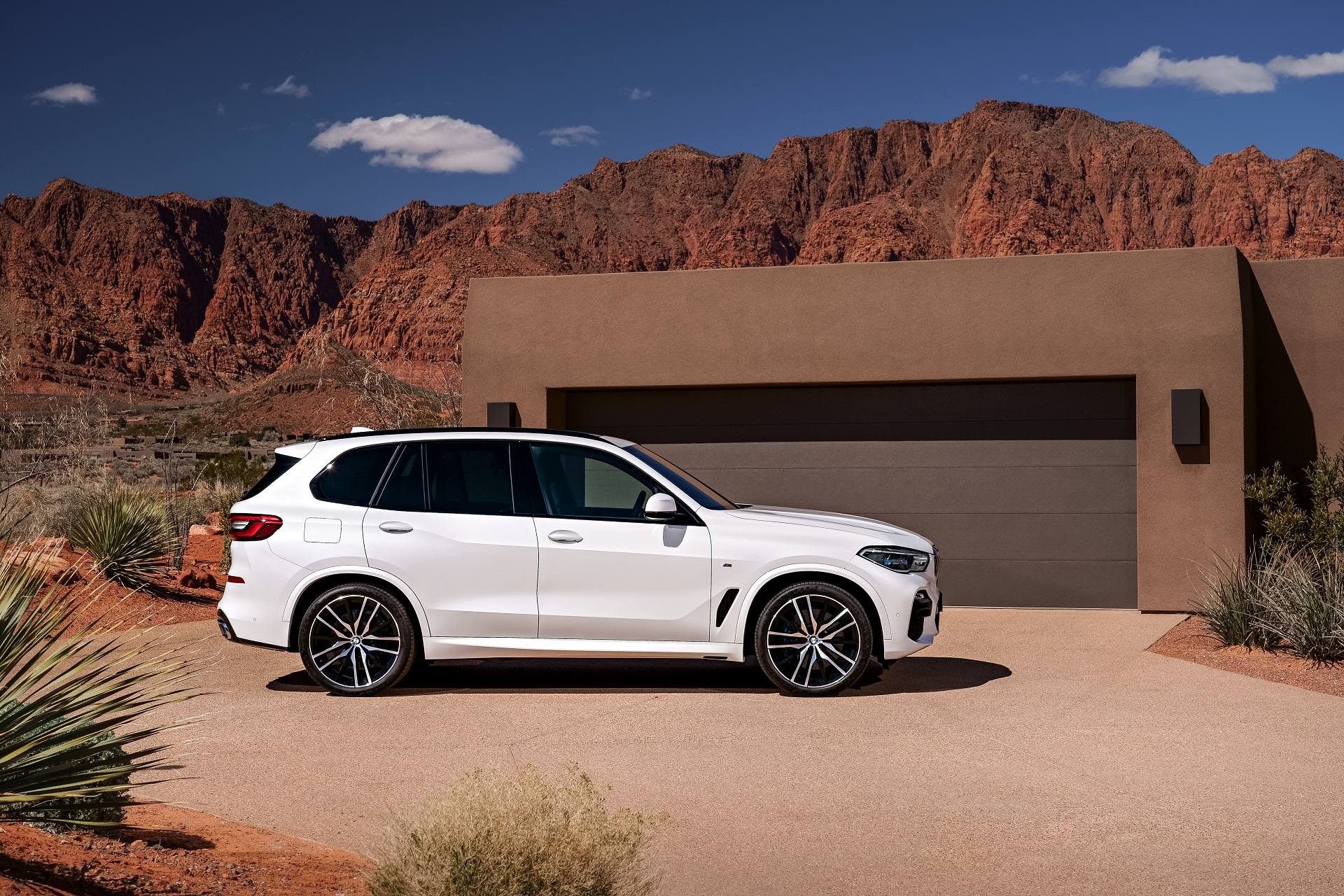 2019 BMW X5: Mid-Size Crossover, Full-Size Grille - The Drive