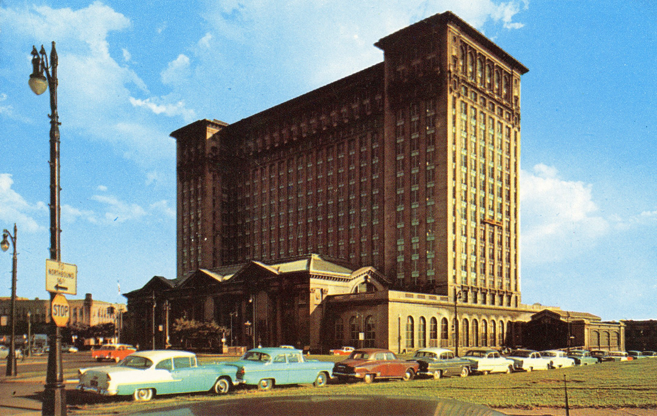 Photo Gallery Detroit S Michigan Central Station Through