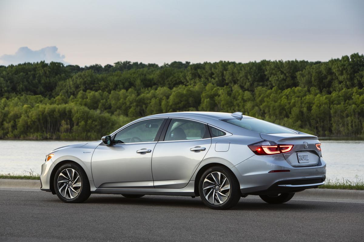 2019 Honda Insight Touring Group Review: The Hybrid Car ...