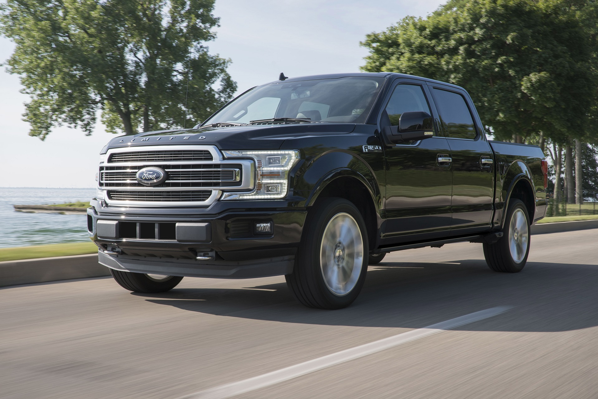 2019 Ford F 150 Ups The Ante With Raptor Engine And More Luxurious