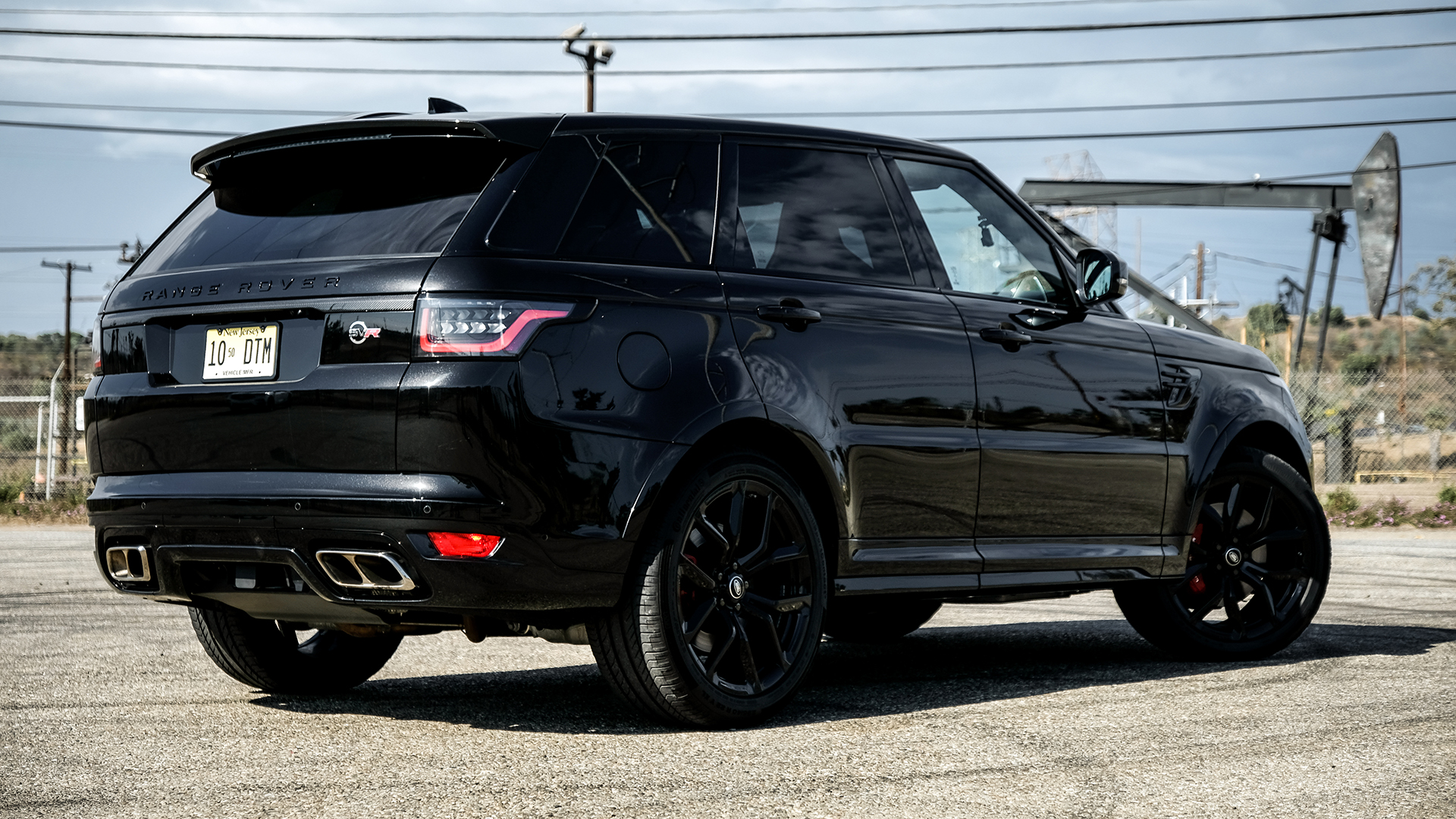 2018 Range Rover Sport Svr Review This 575 Hp Solid Wall Of
