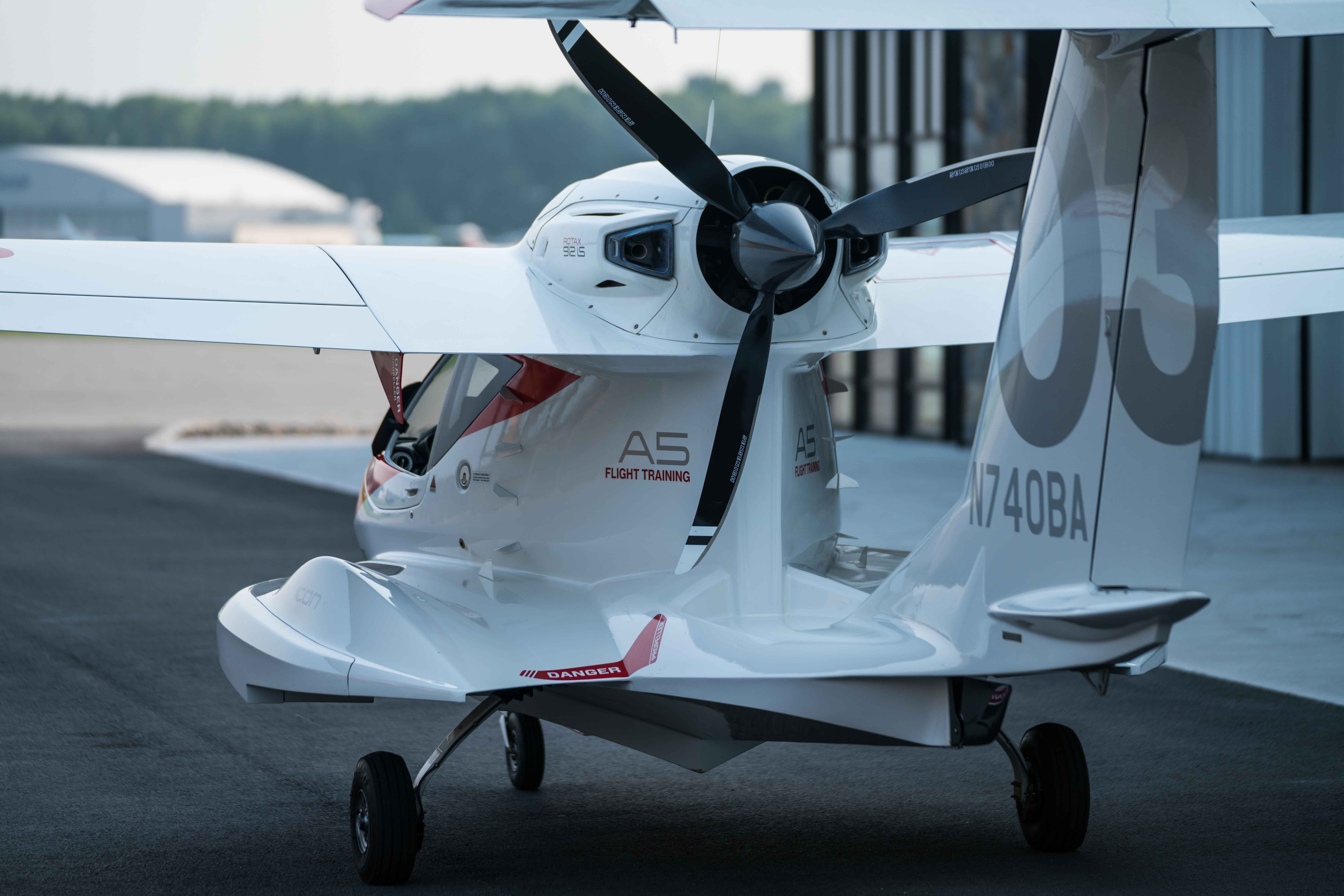 Icon A5 Flying Icon A5 Aircraf...