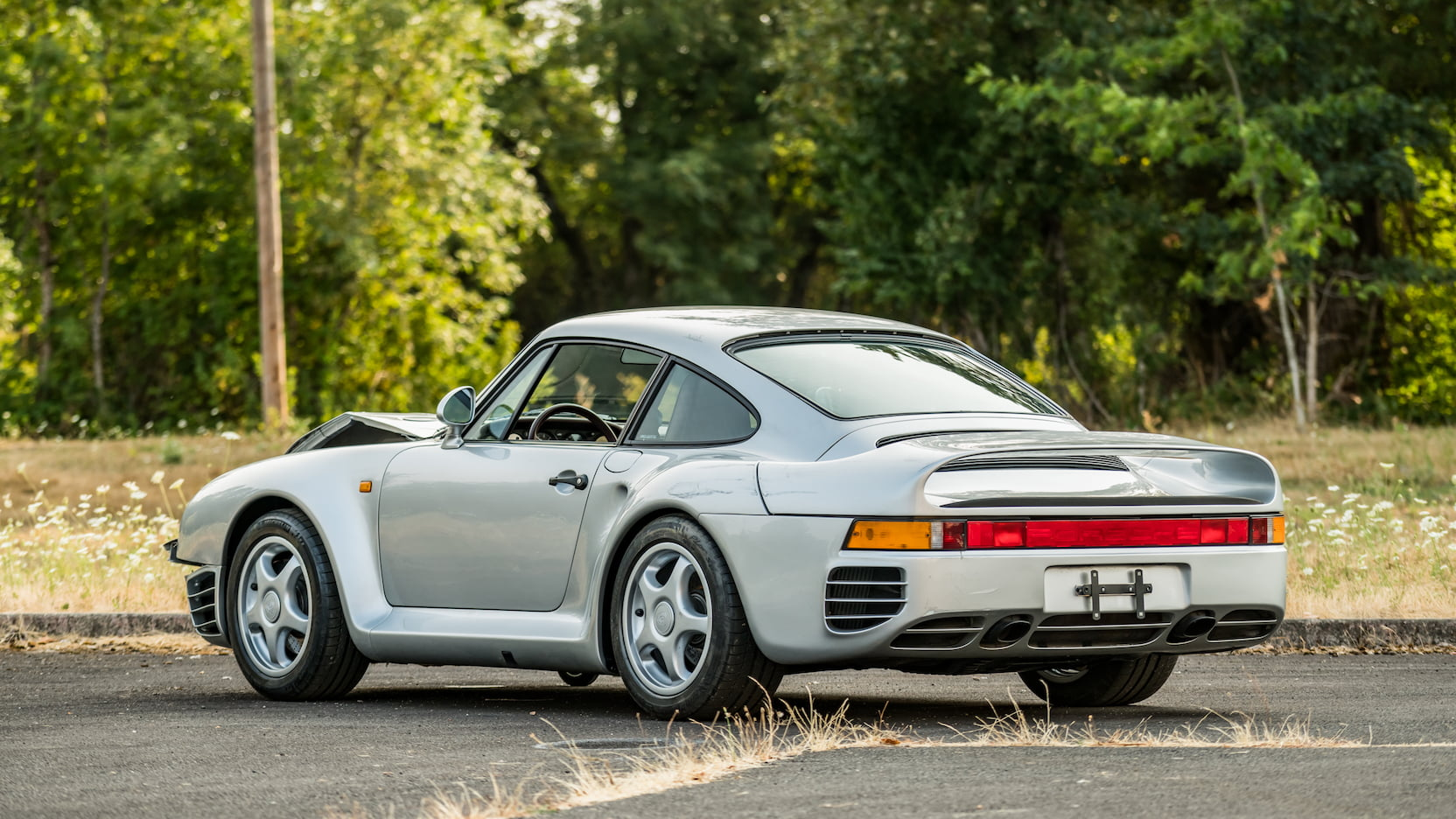 1987 Porsche 959 With Damaged Front End Heads To Auction