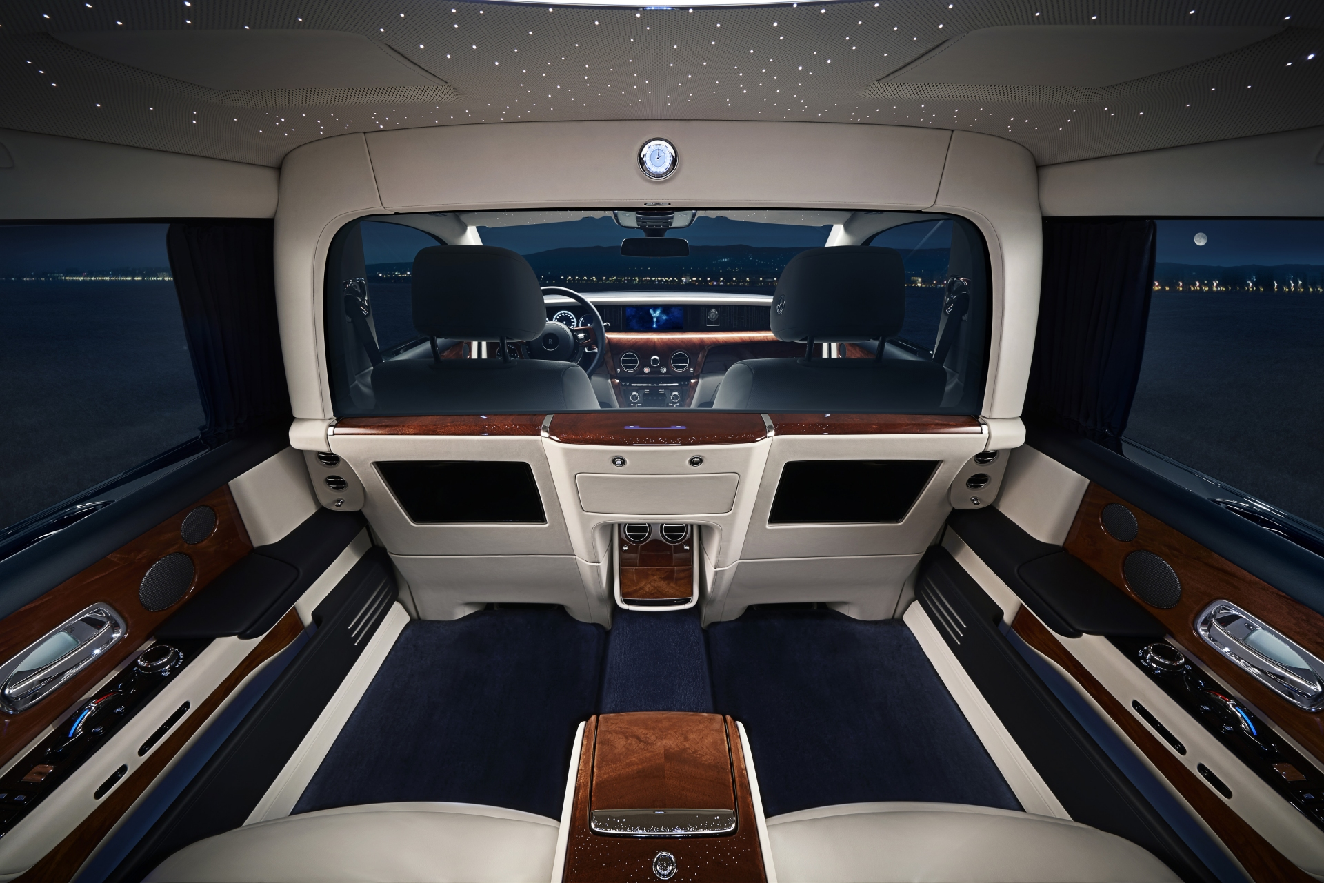 Rolls Royce Flaunts New Privacy Suite For Extended