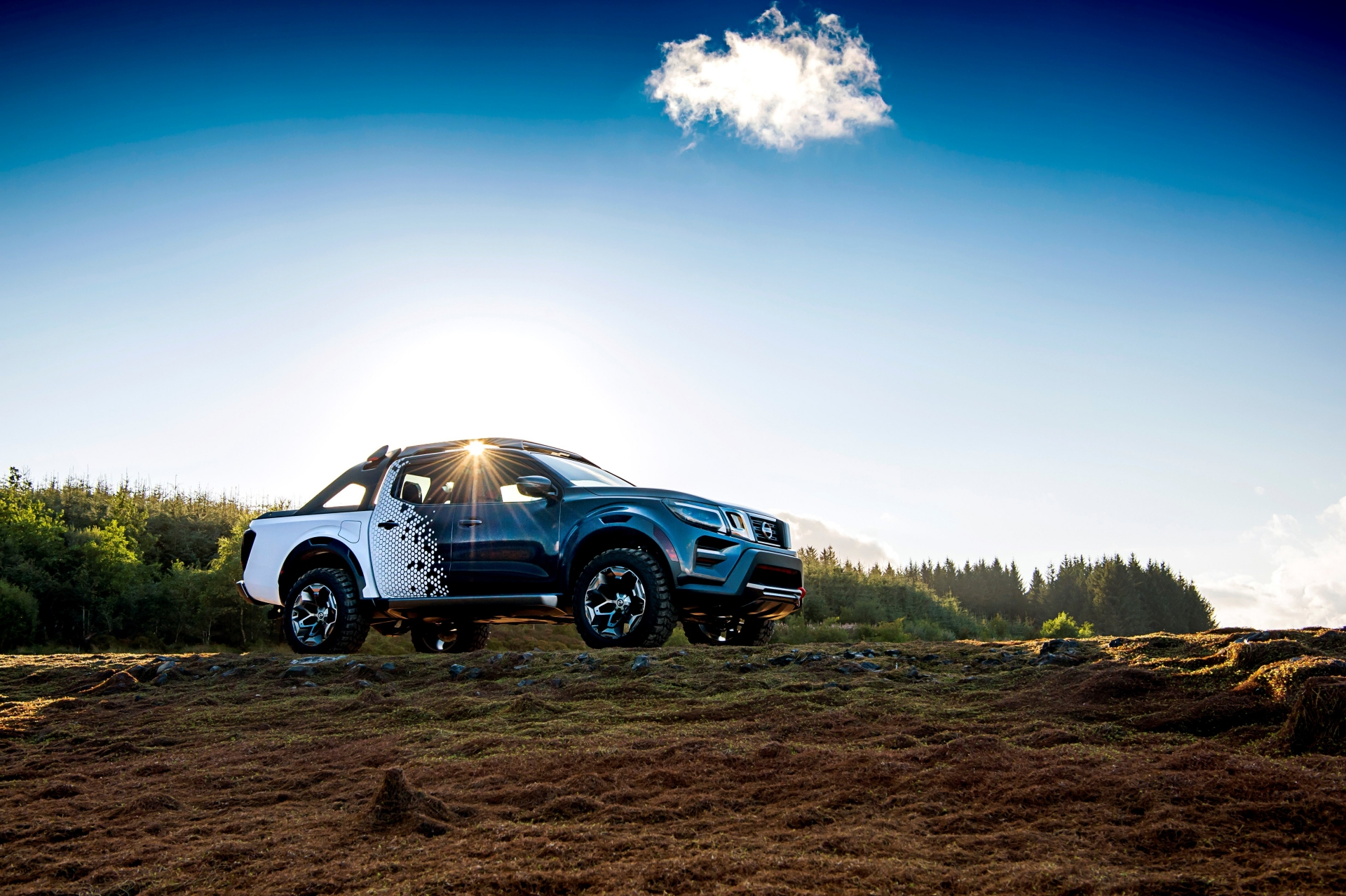 2019 Nissan Navara Dark Sky Concept: Reach for the Stars ...