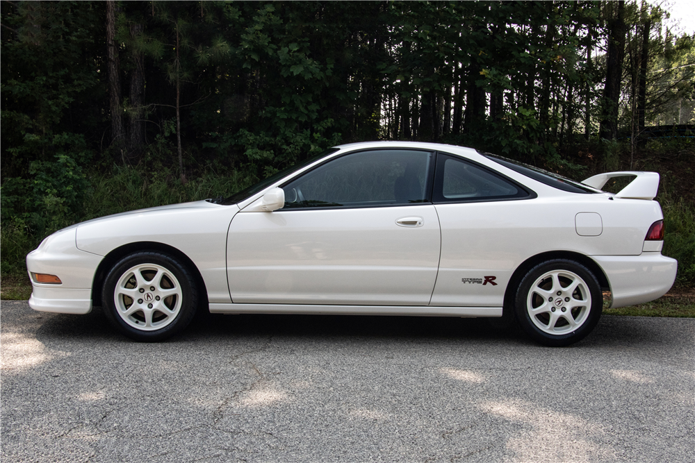 This YearOld Acura Integra Type R Just Sold For At - Acura integra dc2 type r