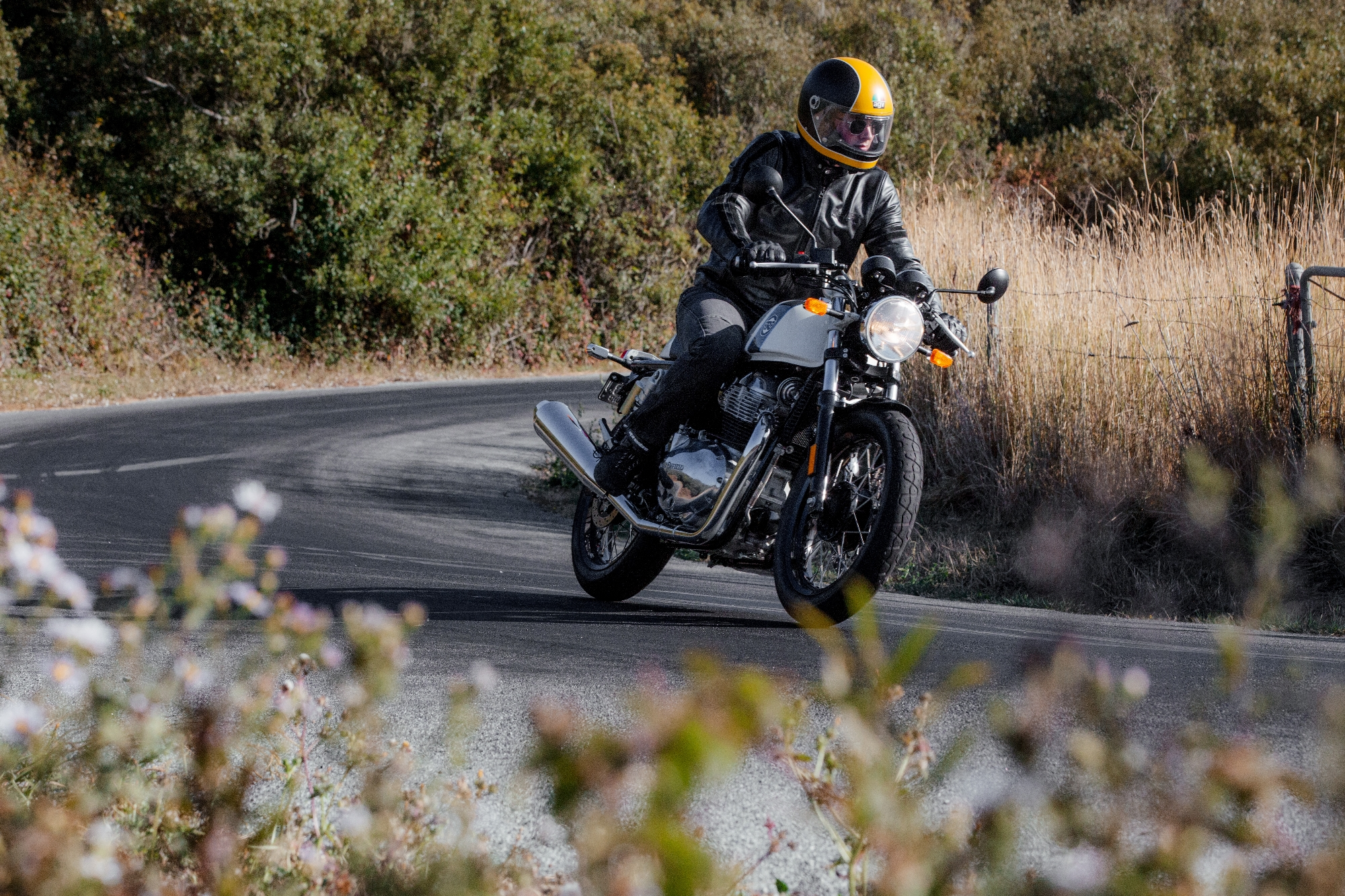 2019 Royal Enfield Twins Review Pure Fun On An Honest Approachable