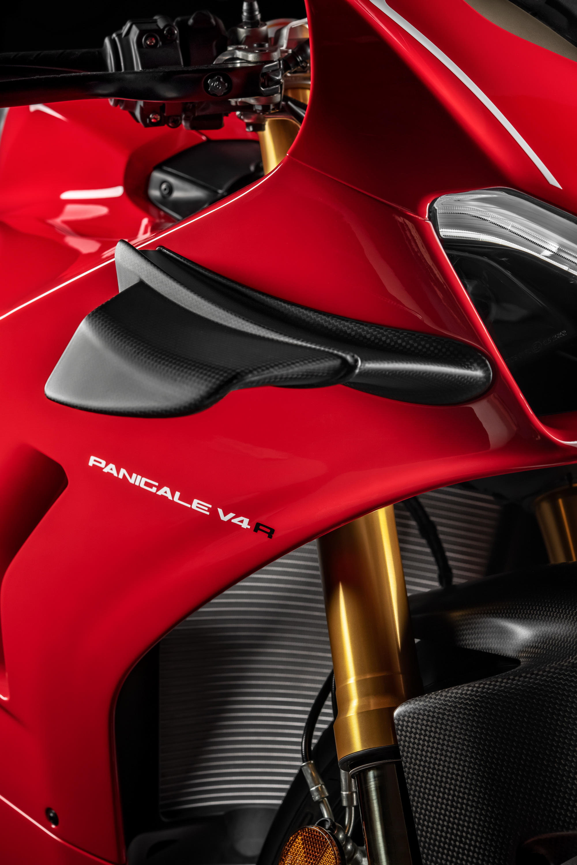 Drive A Tank >> Ducati Announces Panigale V4 R Track Special Ahead of 2018 ...
