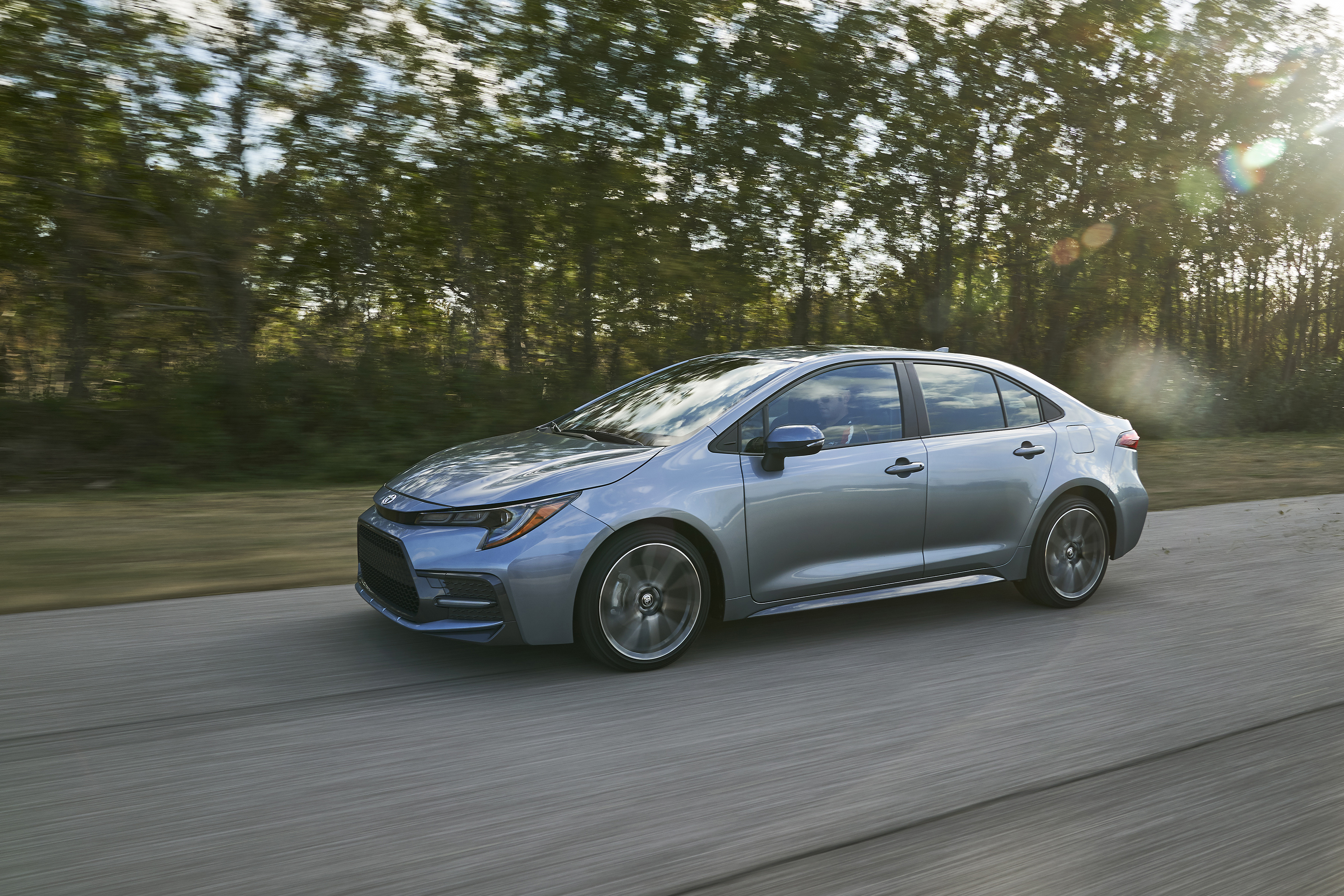Kekurangan Toyota Corolla Sedan Top Model Tahun Ini