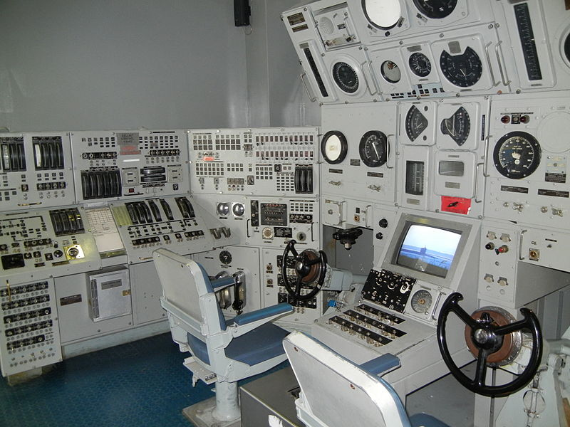 The conn section from <em>USS Sturgeon</em> on display at the National Submarine Museum in Groton, Connecticut (The central monitor was added as part of the interactive display)