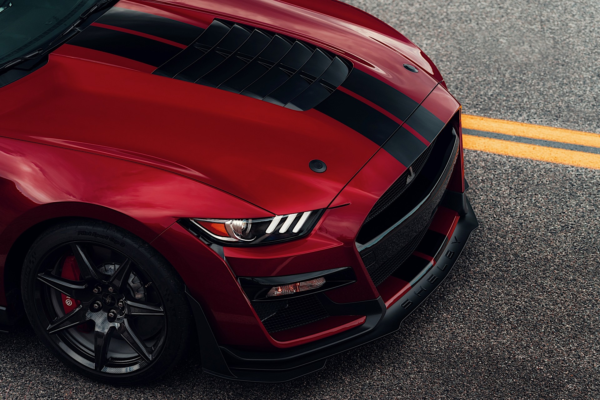 2020 Ford Mustang Shelby Gt500 Roars Into Detroit With 700