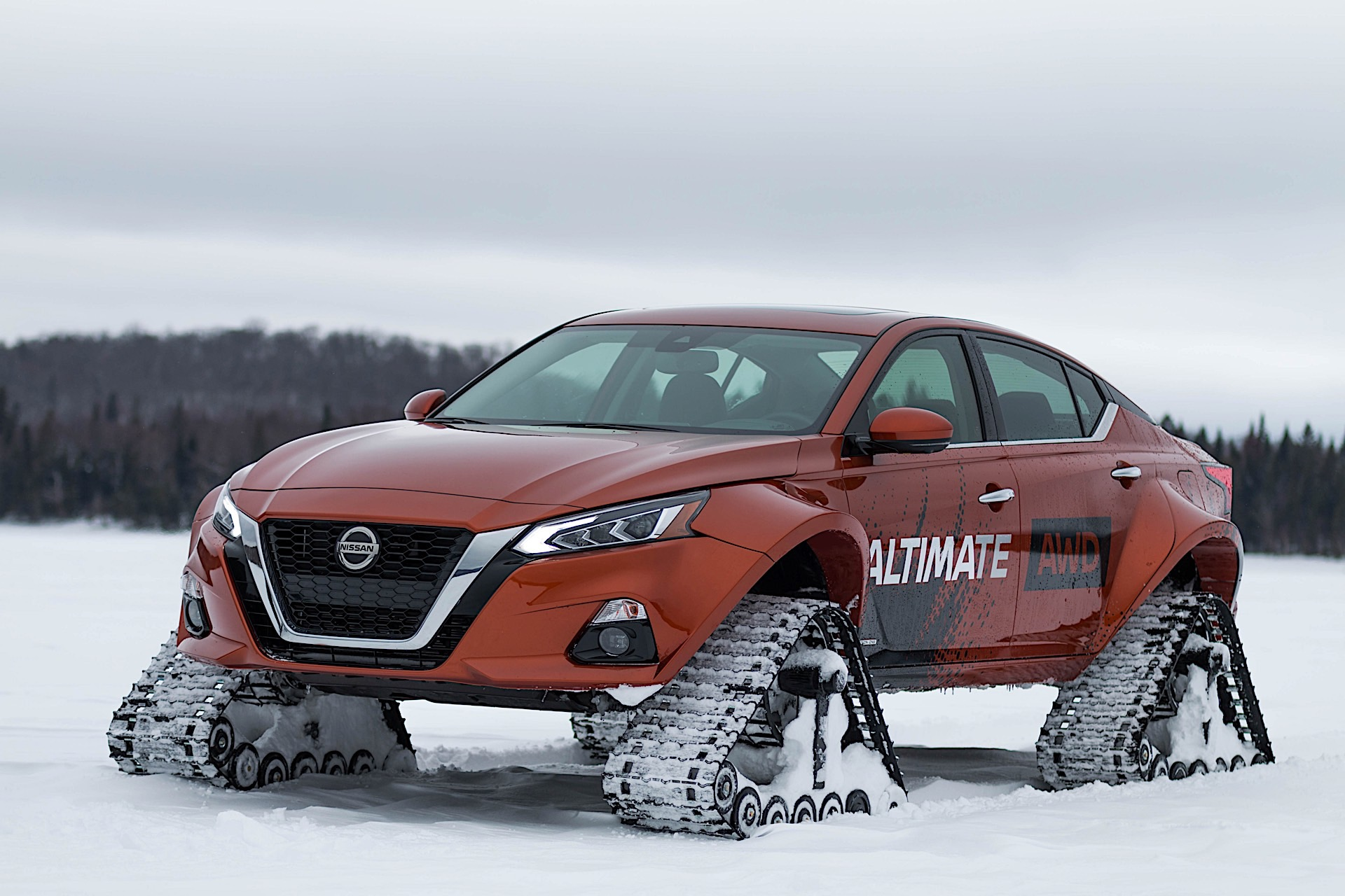 Nissan Altima-te AWD has massively flared fenders over tank-like tracks