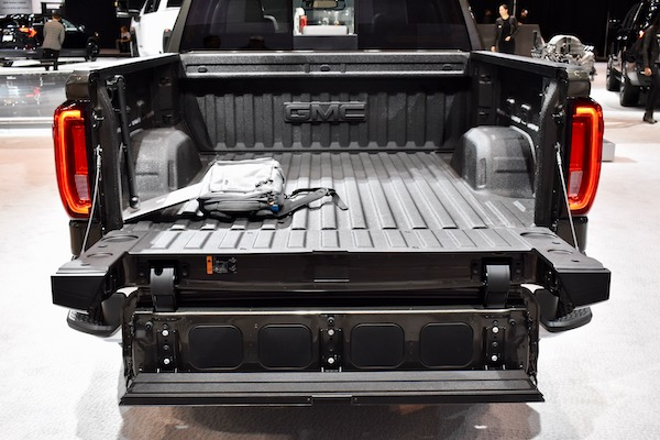 These Are the 5 Best Tailgates of the 2019 Chicago Auto Show - The Drive