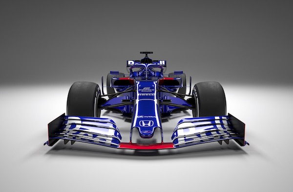 First pictures: Toro Rosso STR14 2019 F1 vehicle revealed