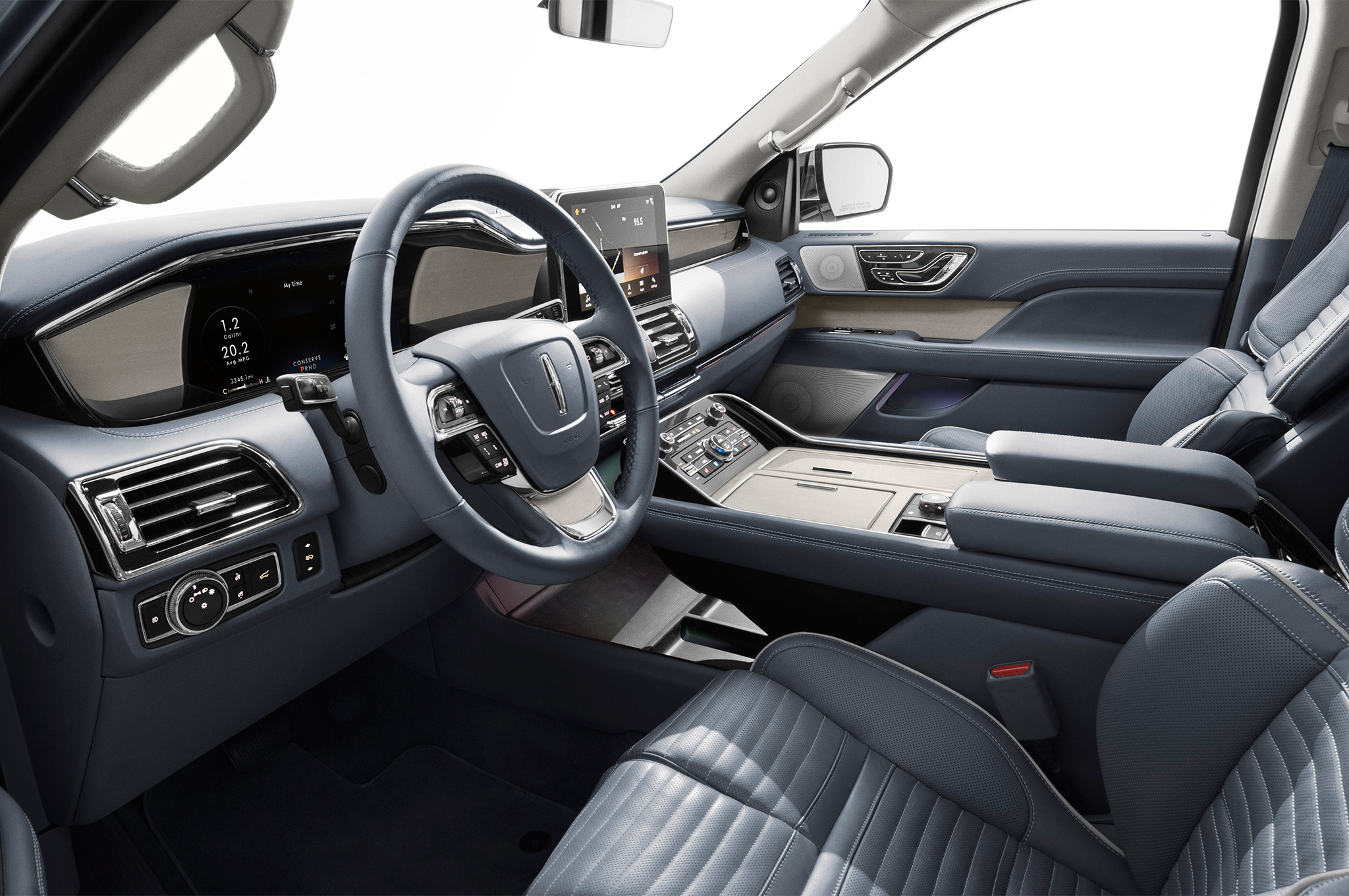 2018 lincoln navigator debuts at new york auto show the drive. Black Bedroom Furniture Sets. Home Design Ideas