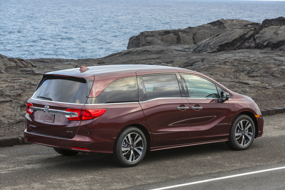 2018 honda odyssey available to order thursday starts at 29 990 the drive. Black Bedroom Furniture Sets. Home Design Ideas