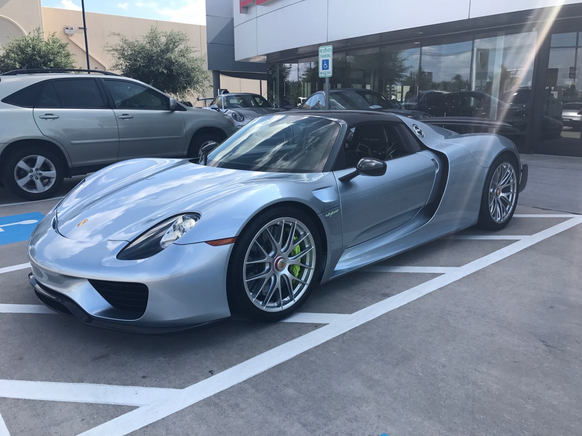 want to buy a 10k mile porsche 918 spyder for 1 4 million the drive. Black Bedroom Furniture Sets. Home Design Ideas