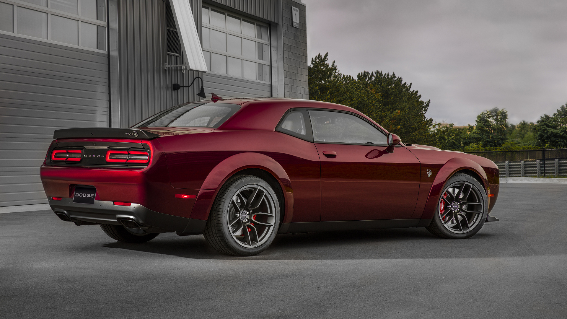 the 2018 dodge challenger srt hellcat widebody is a cheaper dodge demon the drive. Black Bedroom Furniture Sets. Home Design Ideas