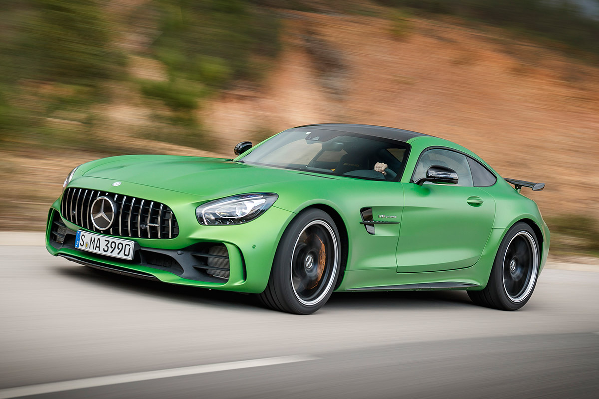 2018 mercedes amg gt r review a super sports car capable for Sports car mercedes benz