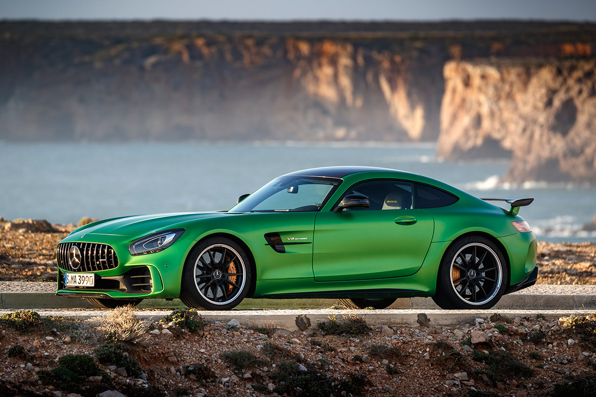 2018 mercedes amg gt r review a super sports car capable for Mercedes benz of usa