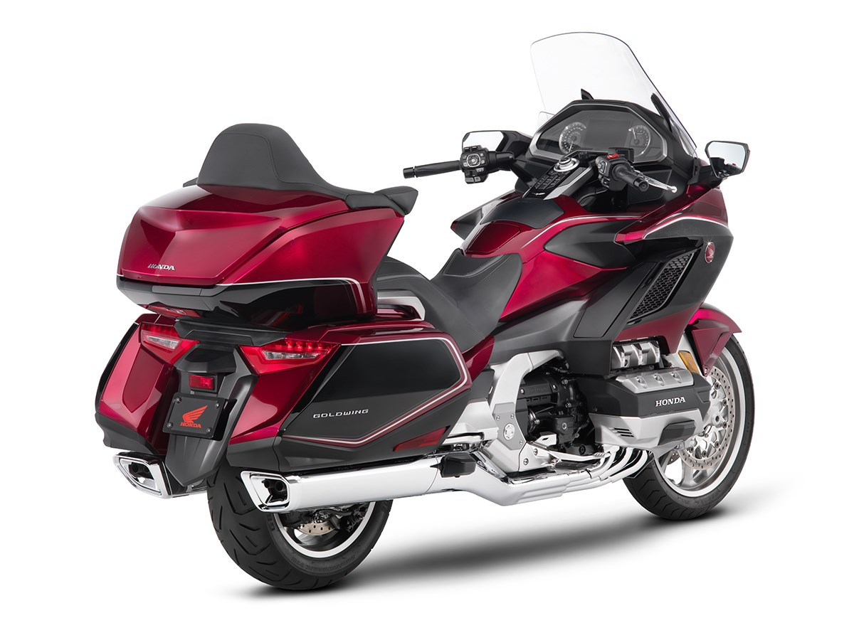 2018 honda gold wing unveiled the drive. Black Bedroom Furniture Sets. Home Design Ideas