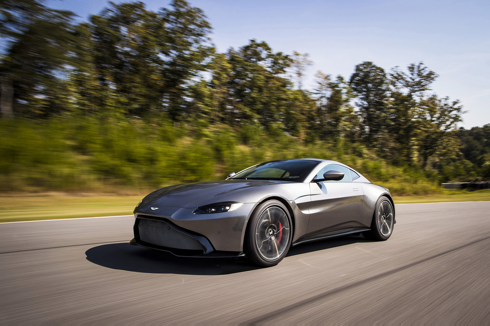 2019 aston martin vantage revealed a predator in shark 39 s clothing the drive. Black Bedroom Furniture Sets. Home Design Ideas