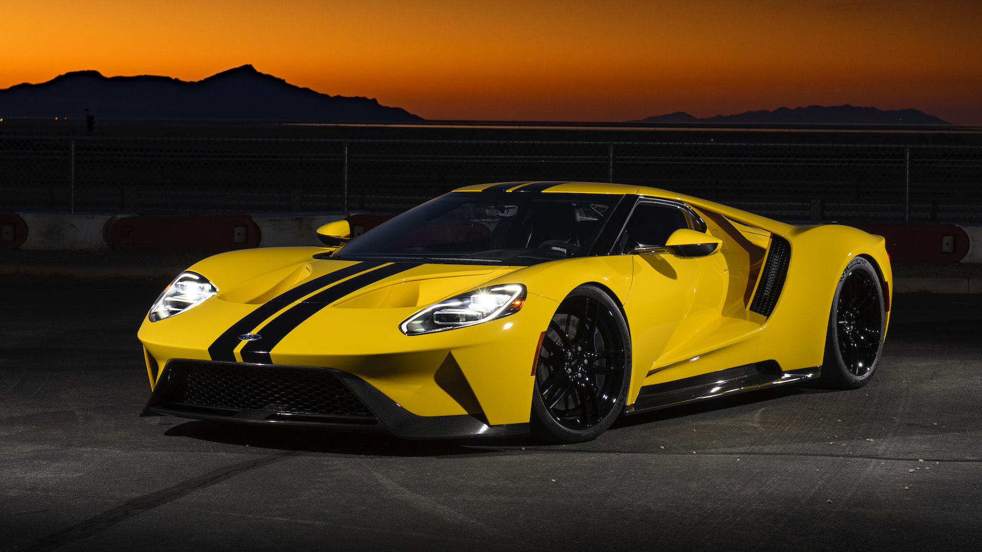The Top 10 Fastest Cars In The World 2019 The Drive
