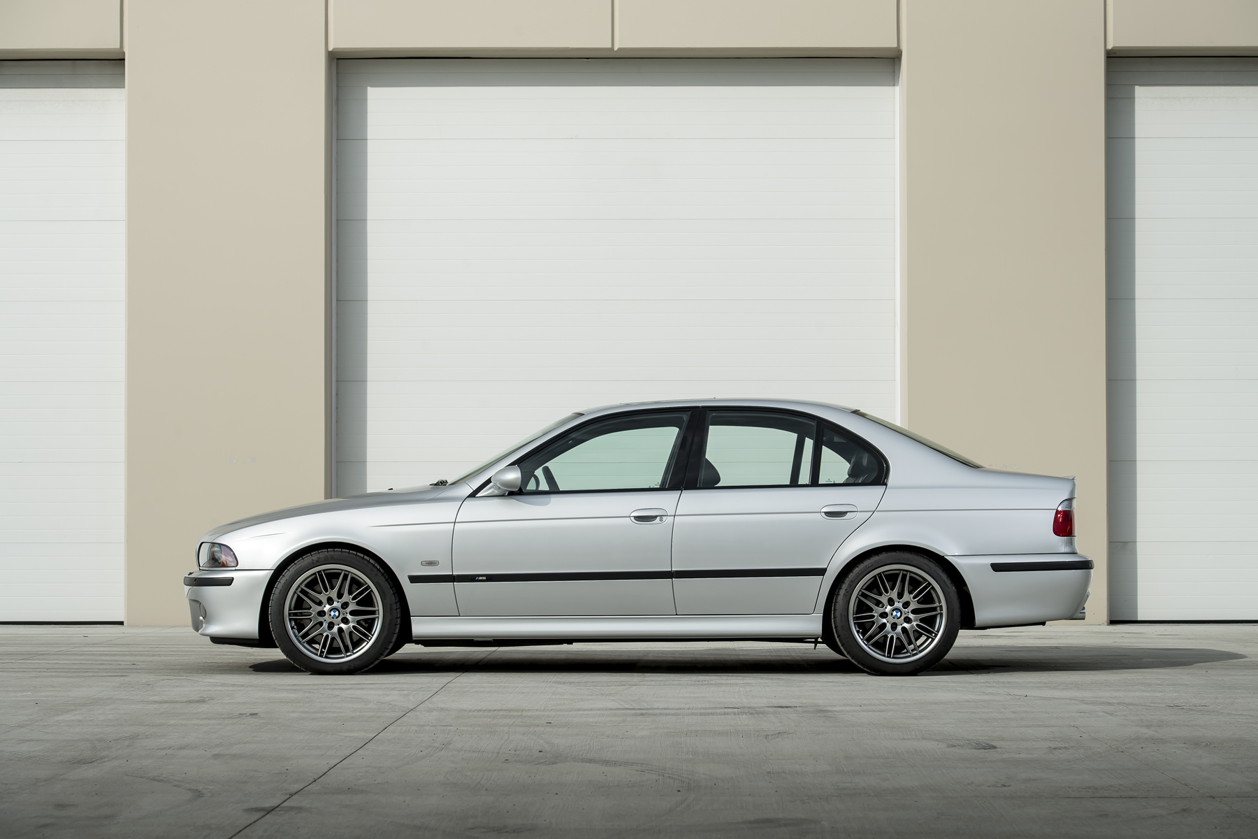 this 437 mile e39 bmw m5 is expected to sell for up to 180 000. Black Bedroom Furniture Sets. Home Design Ideas