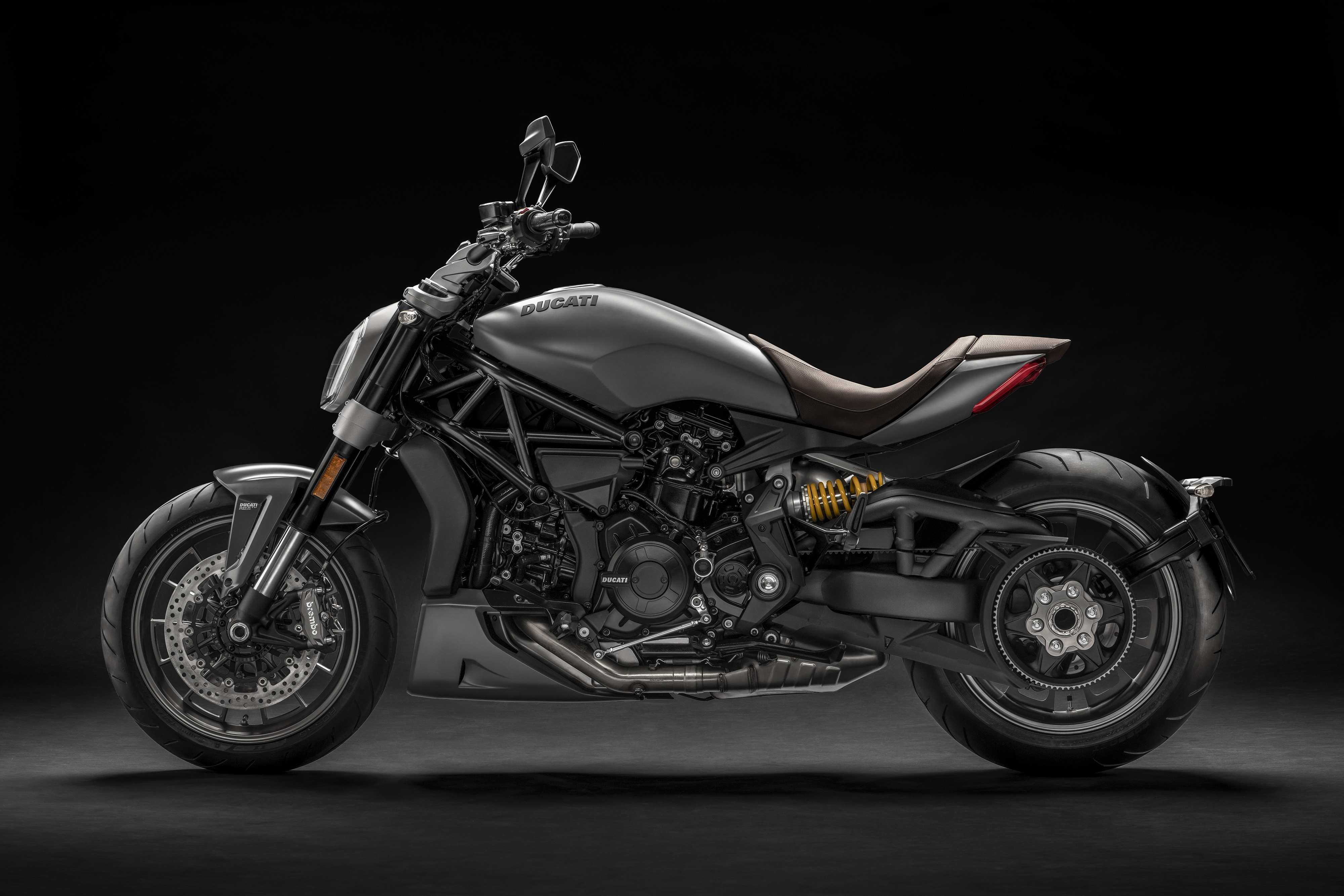 2019 ducati xdiavel a new color scheme and that 39 s about it the drive. Black Bedroom Furniture Sets. Home Design Ideas