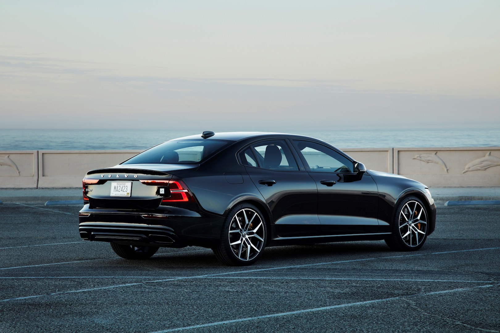 2019 Volvo S60 T8 Twin Engine Review Half Baked Hybrid Shows Volvo Is Miles Behind Electric Car Leaders