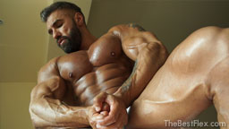 Sexy Oiled Muscles